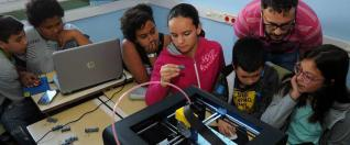 Máis 3D muestra su proyecto a voluntarios de O Mencer