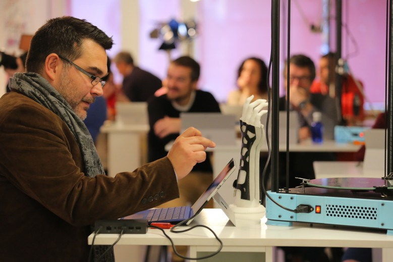 Surface Pro 4 y Windows 10 acercan la impresión 3D a todo tipo de usuarios